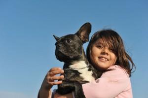 Kinderlieb französische Bulldogge